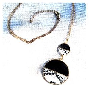 Long length fake 🐍snake necklace